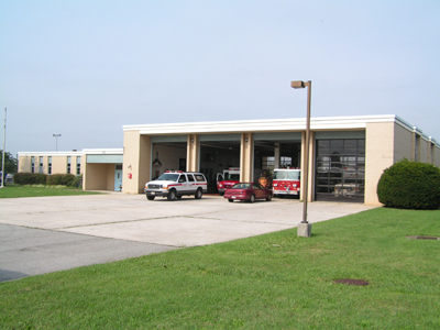 Firehouse 10 1974 - Present. Firehouse 10 housed both structural fire appratus and Airport Rescue Fire Fighting (ARFF) apparatus until the new firehouse 3 was built on Williamson Road. At that point, the structuraly firefighting apparatus was moved to the new firehouse 3. This firehouse still exists in service at the Roanoke Regional Airport, the address is 5202 Aviation Drive NW.